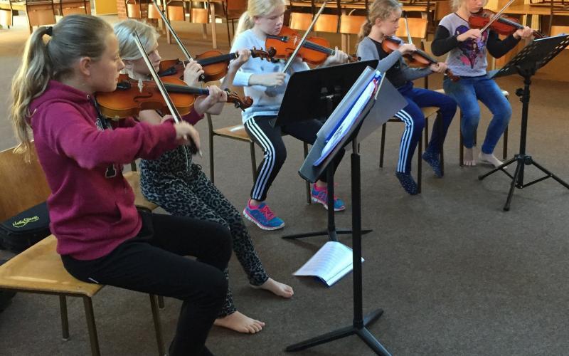 Børn på violin
